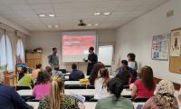 "Participantes de empleo participan en la sesión ""Conócenos. Adecco ETT"""