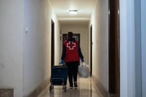 El Plan Cruz Roja RESPONDE alcanza 600.000 intervenciones en un mes gracias a 31.200 personas voluntarias