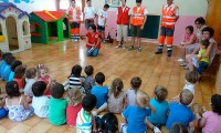 La Cruz Roja de Binéfar visita la Escuela Infantil Municipal