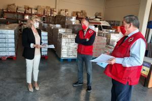 La subdelegada del Gobierno en Huesca ha visitado esta mañana las instalaciones de Cruz Roja