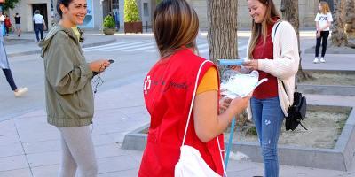 Continuamos distribuyendo mascarillas entre los ciudadanos de Huesca